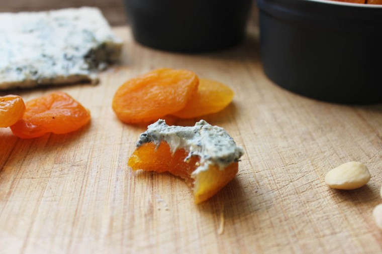 Apricot, Blue Cheese + Almond Bite3